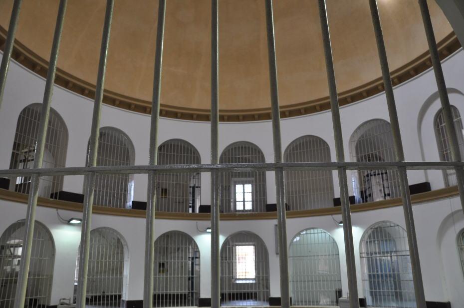 il buio e la dignità (La nuova Sardegna 2 luglio 2014)