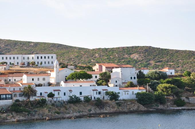 La costruzione di un museo. All'Asinara