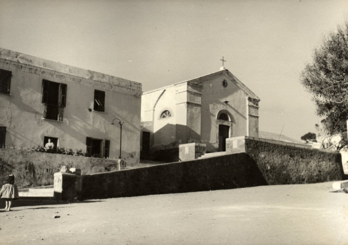 La mia Asinara: il ventre della memoria (editoriale apparso sulla Nuova Sardegna 10/9/2009)