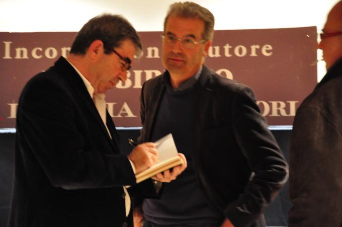 """Reading e degustazione di vini delle Cantine Mesa, con la libreria """"Il labirinto Mondadori  ad Alghero"""