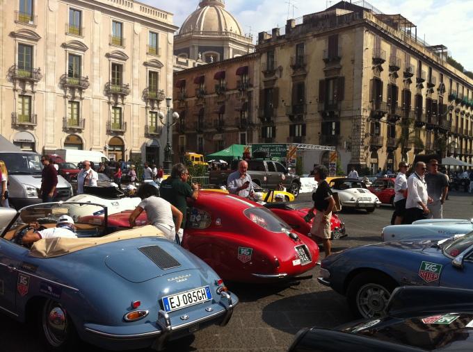 Destra, sinistra.  Il Toro, la Juve, le corse e i motori.