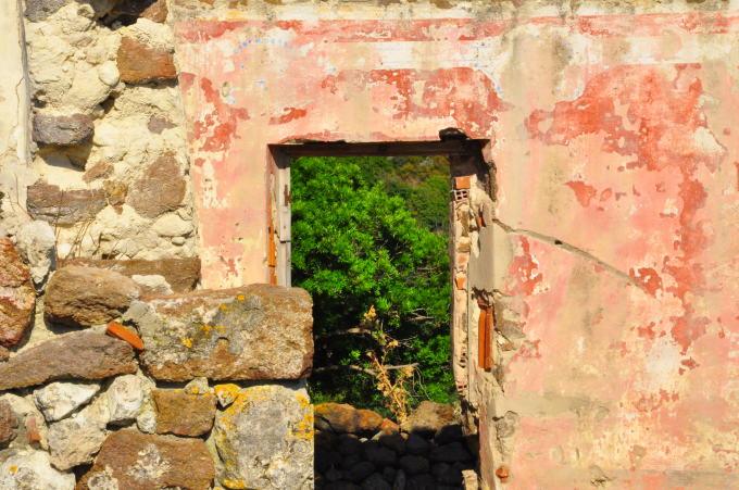 Questa terra è la mia terra. (editoriale apparso sulla Nuova Sardegna del 27.4.2016)